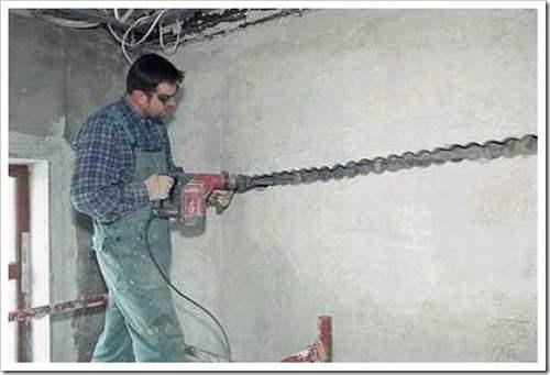 Как штробить стены под проводку перфоратором.