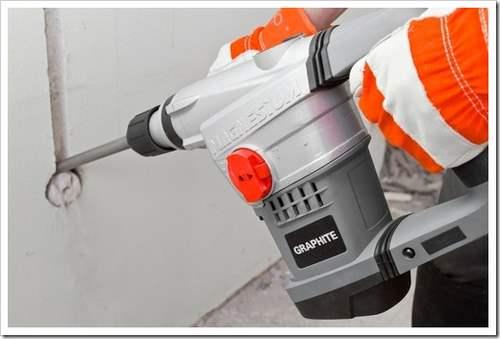 Как штробить бетонные стены под проводку.
