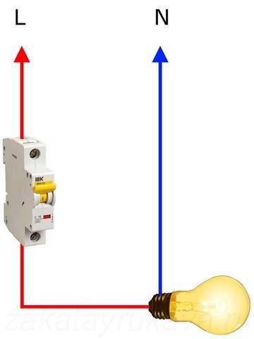 какой автомат однополюсной или двухполюсной уснанавливанется на входящий провод в квартире