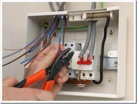 Какие автоматы и провода необходимо использовать при замене проводки?