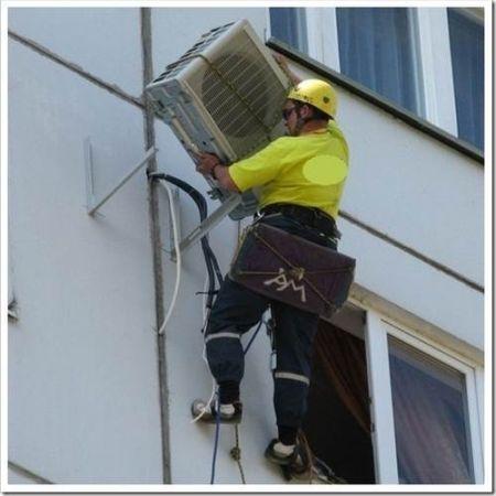 Работа на высоте: монтаж внешнего блока