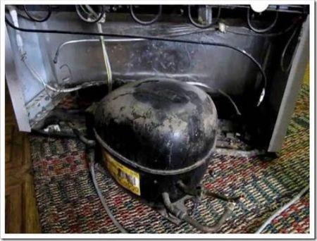 Старый советский холодильник: он ещё всех нас переживёт