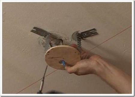 Установка светильника при помощи различных способов