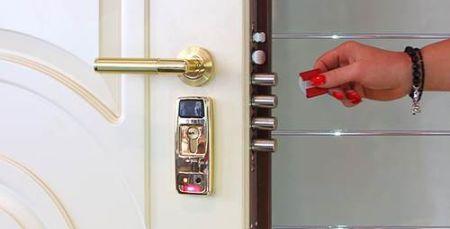 Монтаж электрозамка на входную дверь
