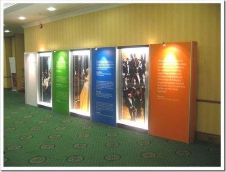 Выставочные стенды с внутренней подсветкой