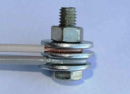 Как делать скрутку проводов под болт