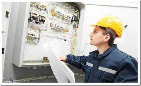 Как выбрать стабилизатор напряжения для квартиры