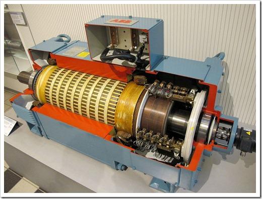 Как работает электрический двигатель?