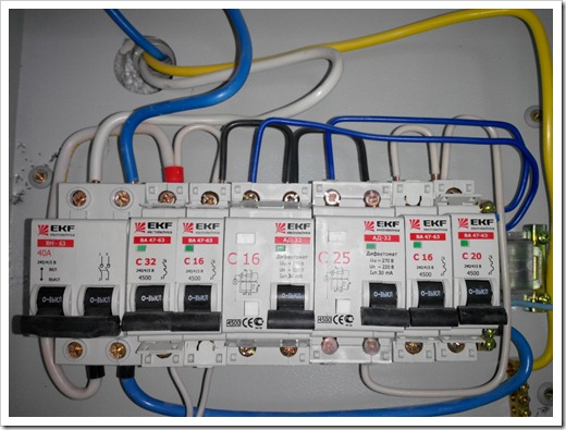 Монтаж автомата на входе электрической линии в квартиру