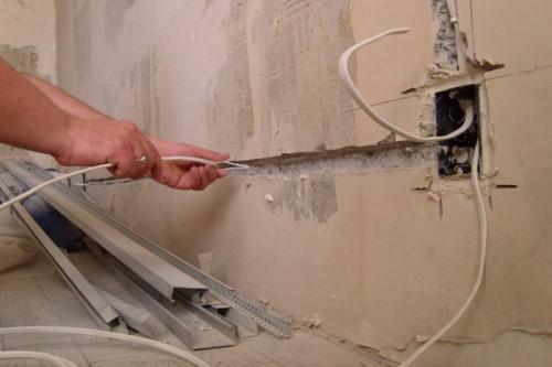 Как выполнить демонтаж электропроводки