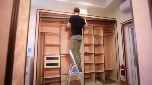 Установка встроенного шкафа-купе