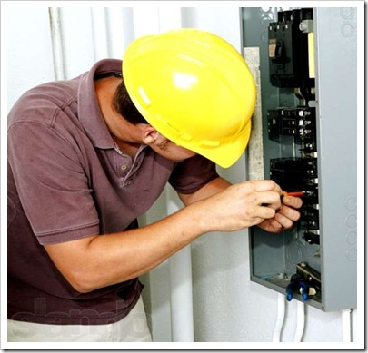 Электрик из ЖЭКа: торжество некомпетентности