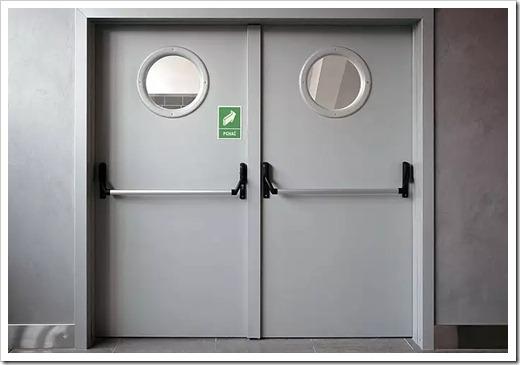 В чём заключается суть ГОСТа на установку дверей из металла?