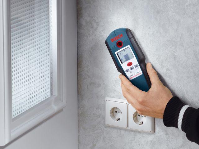 Как найти обрыв провода в стене? Вызвать электрика на дом или справиться самому?