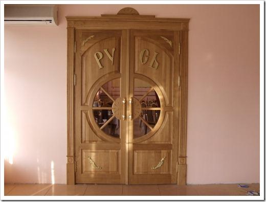Входные деревянные двери – за и против