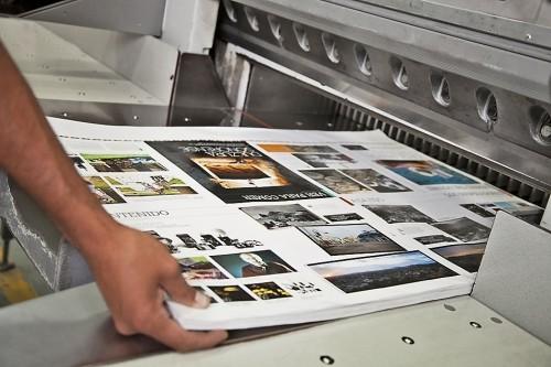 На какой бумаге печатают журналы