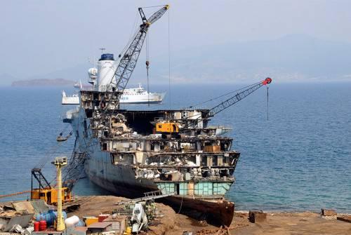 Как проводится демонтаж кораблей