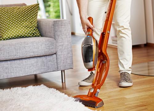 Как выбрать вертикальный пылесос для квартиры