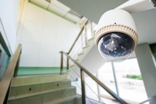 Как установить камеру видеонаблюдения в подъезде