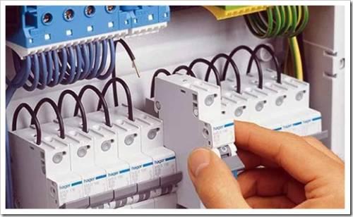 Как найти хорошего электрика для квартиры