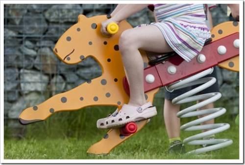 Качалки на пружине для детской площадки: виды и требования к ним