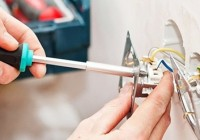 Элементарные работы с электричеством: установка розетки