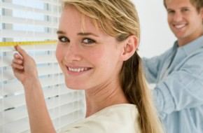 Как установить жалюзи на окно