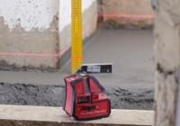 Как пользоваться лазерным нивелиром?