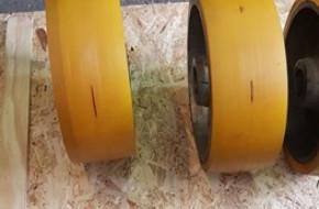 Полиуретановые колеса для складских тележек — виды и характеристики
