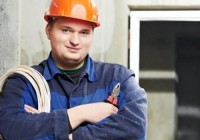 Каким должен быть рабочий костюм электрика?