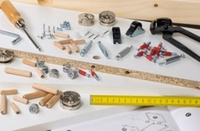 Какой инструмент нужен для сборки мебели?